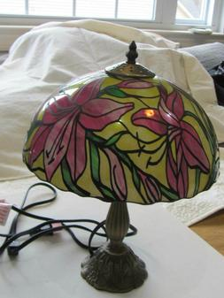 "14"" Modern Lilly Tiffany Style Table, Desk Bedside, Lamp Hom"